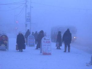 Jakutsk-uomini-in-strada