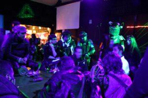 Bastano due luci fluorescenti, e tutto diventa Cyberpunk!