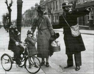 Polizia con maschera
