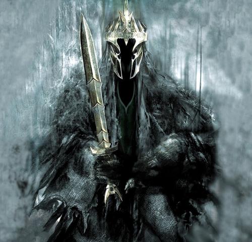Sauron nemico o potrebbe perfino essere un pg...